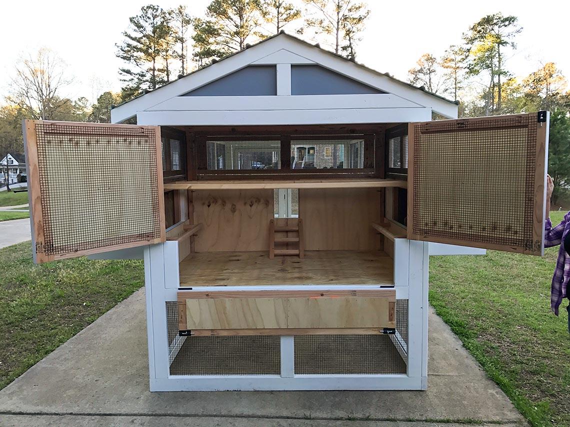 Carolina Coops – American Coop- henhouse inside