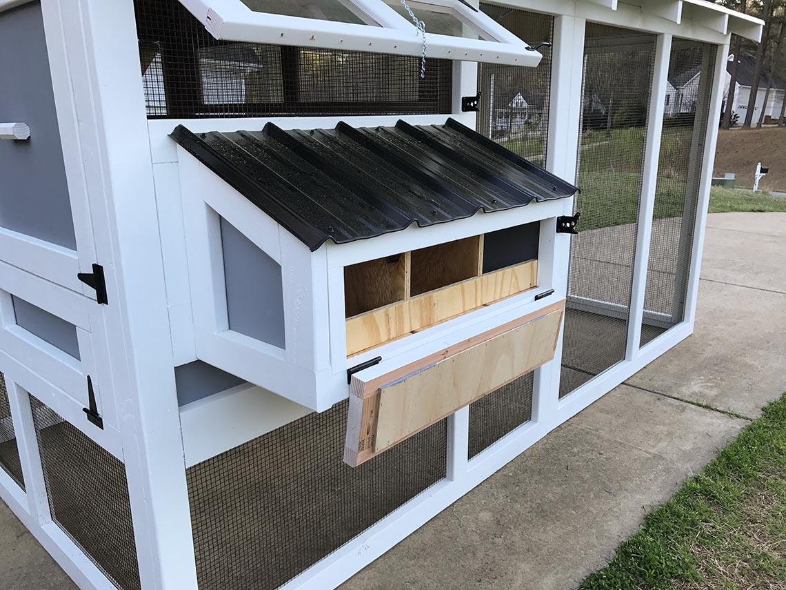 6′ x 12′ American Coop drop down door on egg hutch