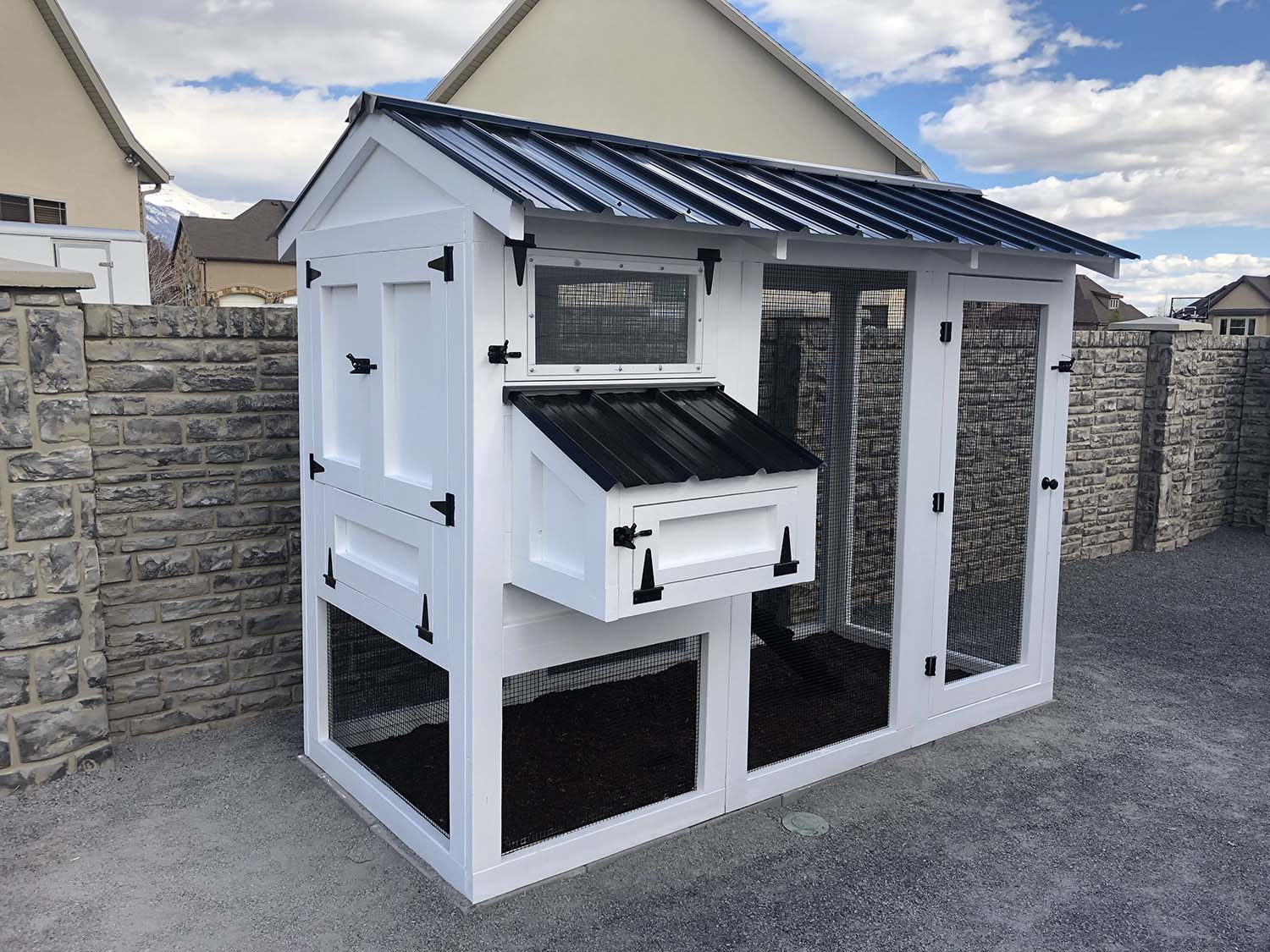 4′ x 9′ California Coop with 3′ x 4′ henhouse  in classic white and black in Lehi, Utah