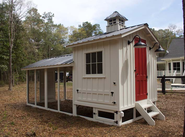 Carolina Coops Craftsman Coop with Dutch door and red henhouse door in North Carolina
