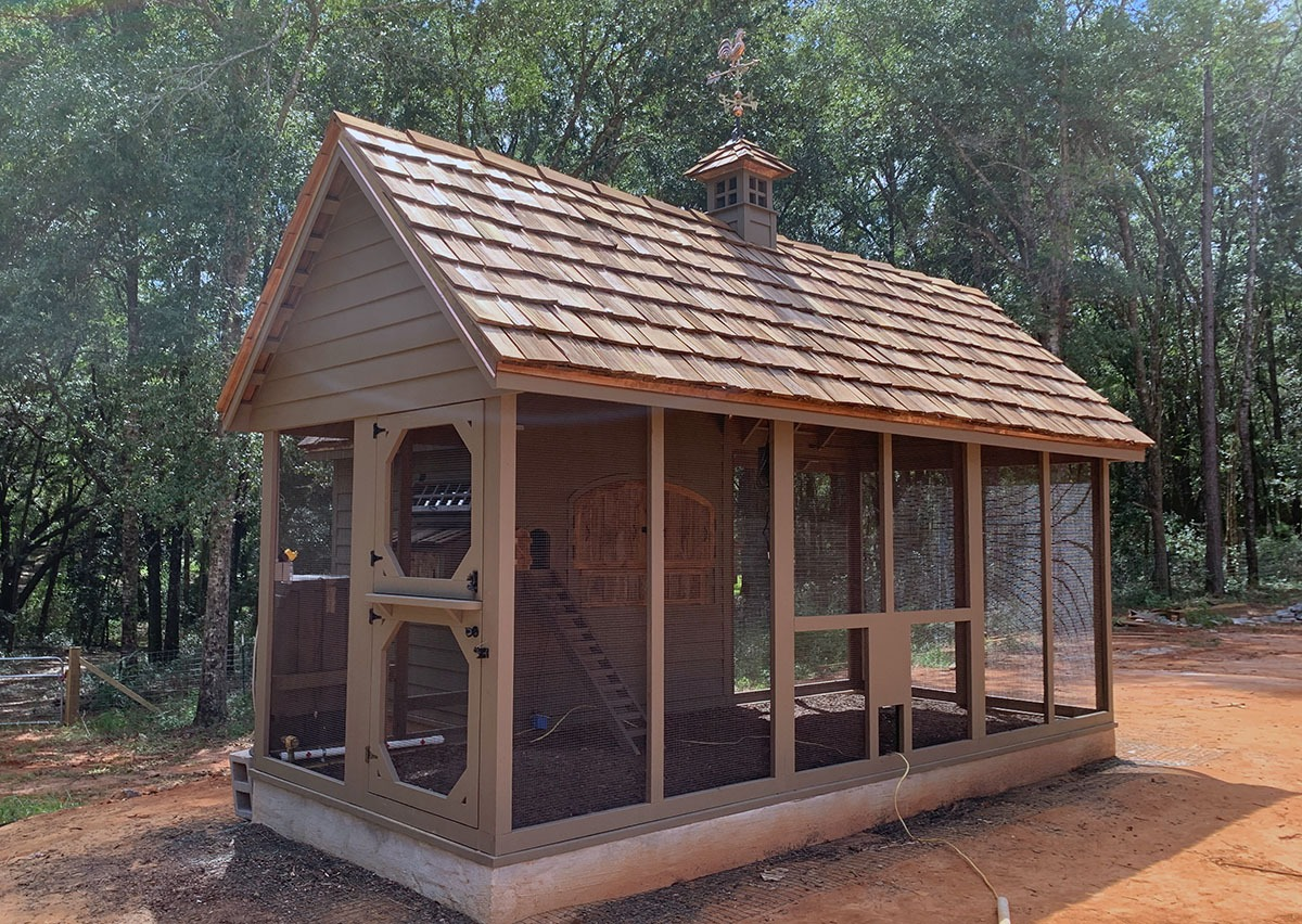 Carolina Coops custom Alabama Coop exterior with perpendicular run