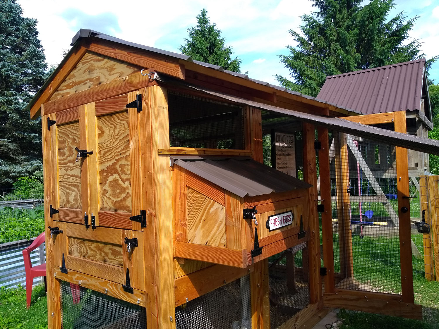 4'x3′ henhouse of a 4'x9′ California Coop in West Bend, WI
