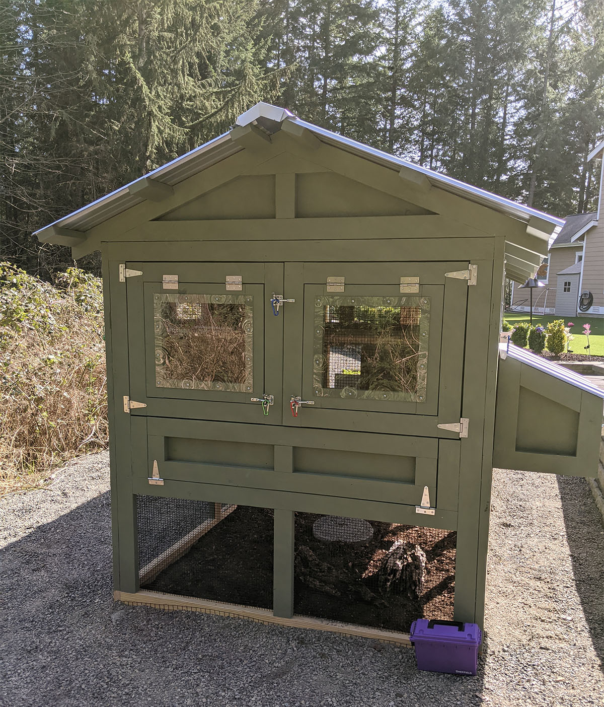 back of 6×12 American Coop in Washington state painted by customer